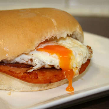 Spam And Egg Breakfast Sandwiches Recipe — Dishmaps